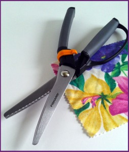 Left Handed Pinking Shears